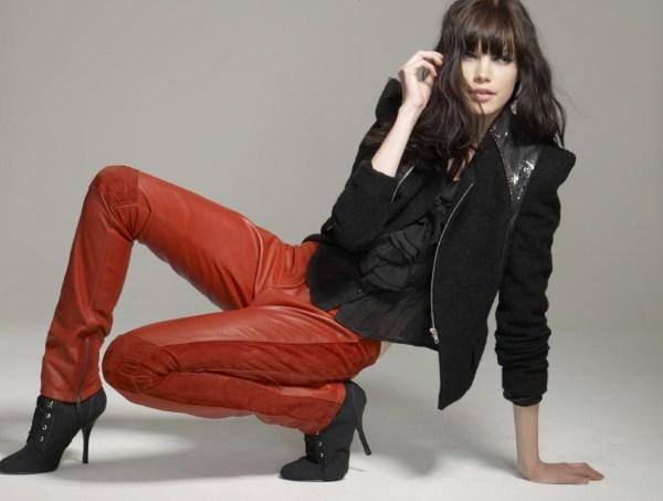 Une tenue parfaite pour l 39 hiver fashion world - Tenue cuir femme ...
