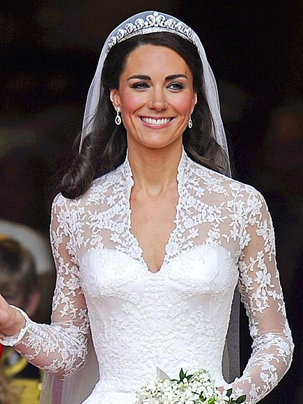 Fotos - Photo De Robe De Mari E De Kate Middleton Une Robe