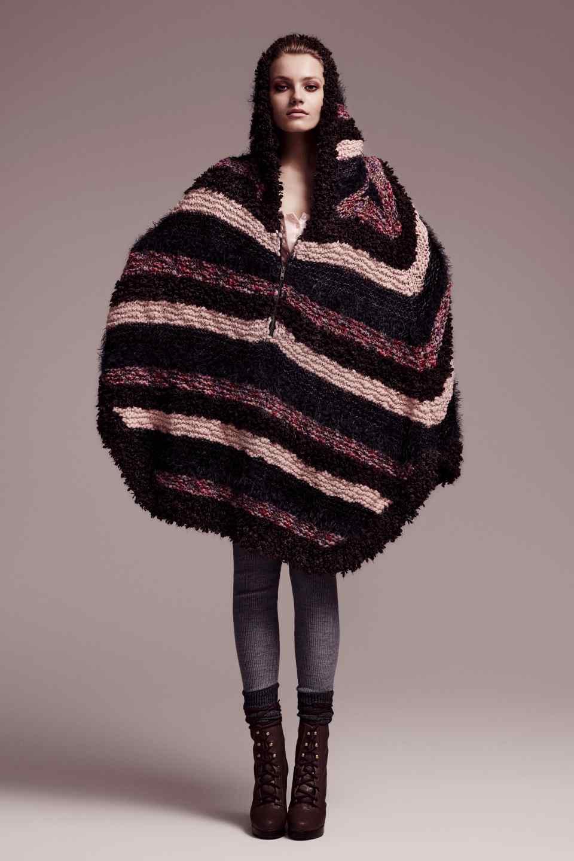poncho femme laine. Black Bedroom Furniture Sets. Home Design Ideas