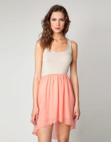 True Love is magic [Madison] Robe-bicolore-bershka-ete-2012-blanc-casse-et-corail