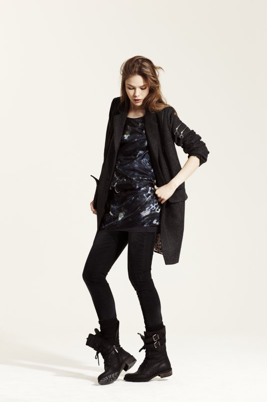 http://www.trenditude.fr/IMG/jpg/top-a-motifs-gilet-IKKS-ICODE-collection-automne-hiver-2010-2011.jpg